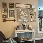 70 Awesome Wall Decoration Ideas For Living Room (47)