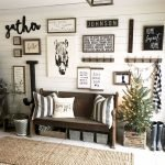 70 Awesome Wall Decoration Ideas For Living Room (61)