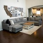 70 Awesome Wall Decoration Ideas For Living Room (65)