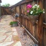 40 Beautiful Backyard Landscaping Ideas for Beauty Your Garden (23)