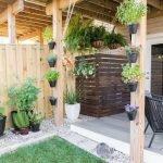 40 Beautiful Backyard Landscaping Ideas for Beauty Your Garden (7)