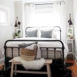 45 Awesome Small Apartment Bedroom Design and Decor Ideas (10)