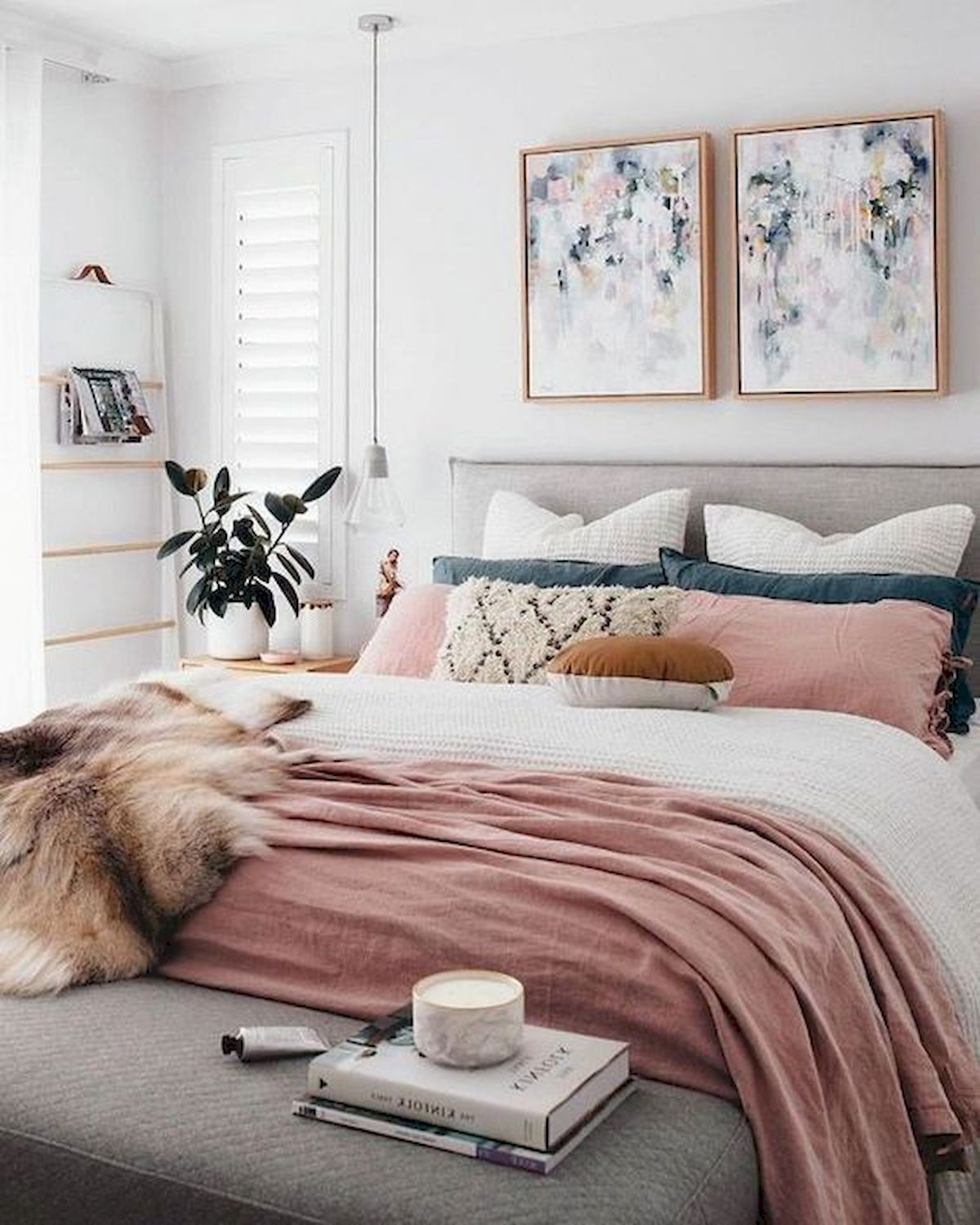 45 Awesome Small Apartment Bedroom Design And Decor Ideas (2)