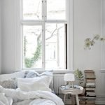 45 Awesome Small Apartment Bedroom Design and Decor Ideas (38)