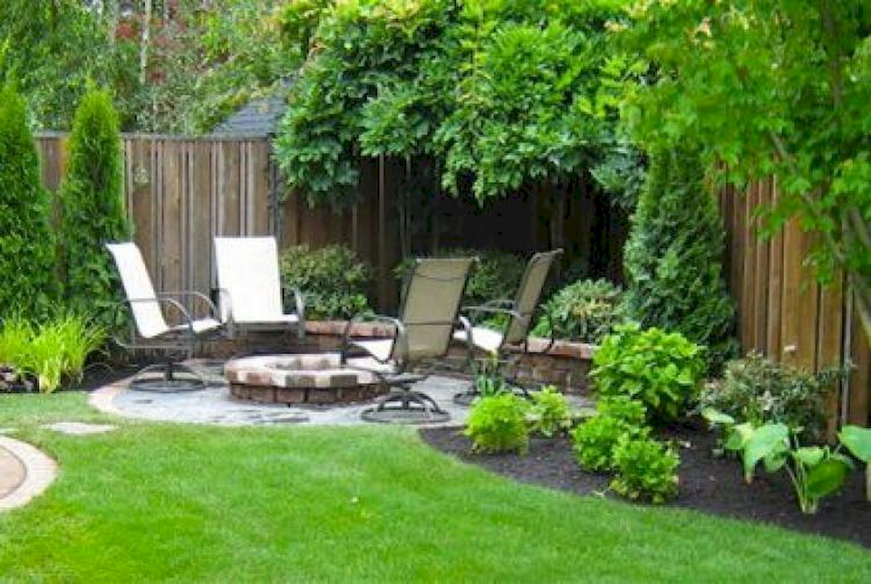 60 Awesome Backyard Privacy Design and Decor Ideas (1)