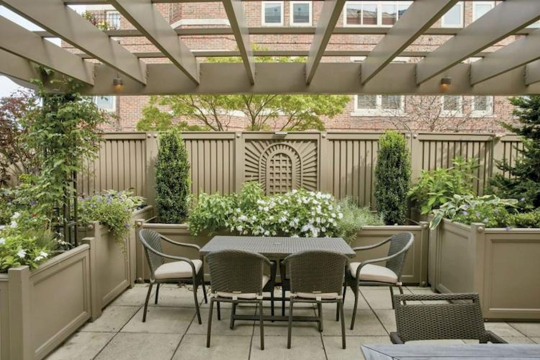 60 Awesome Backyard Privacy Design and Decor Ideas (12)