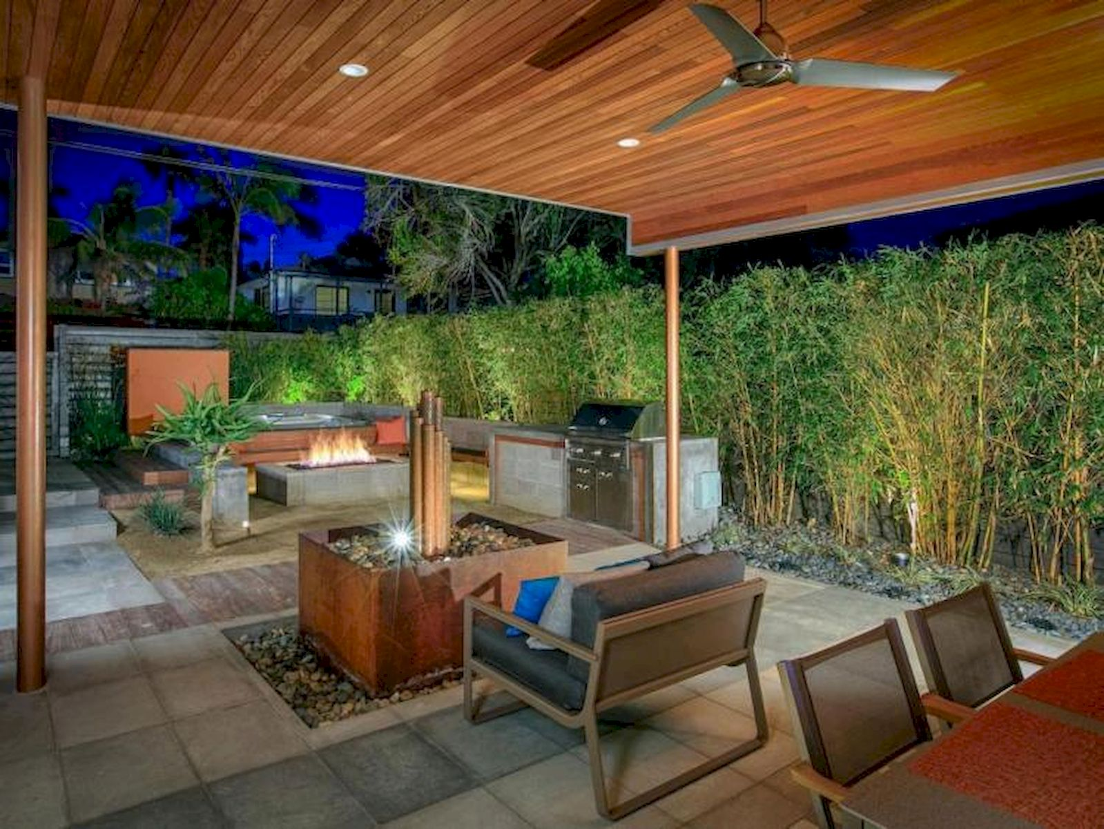 60 Awesome Backyard Privacy Design and Decor Ideas (16)