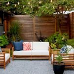 60 Awesome Backyard Privacy Design And Decor Ideas (28)