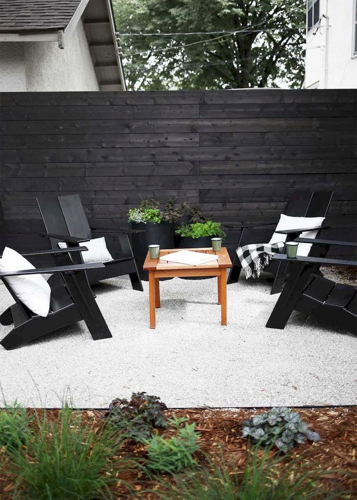60 Awesome Backyard Privacy Design and Decor Ideas (57)