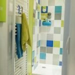 65 Gorgeous Colorful Bathroom Design and Remodel Ideas (64)