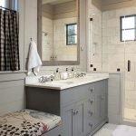 66 Cool Modern Farmhouse Bathroom Tile Ideas (11)