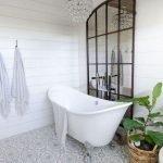 66 Cool Modern Farmhouse Bathroom Tile Ideas (14)