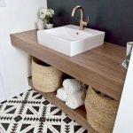 66 Cool Modern Farmhouse Bathroom Tile Ideas (18)