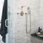 66 Cool Modern Farmhouse Bathroom Tile Ideas (21)
