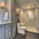66 Cool Modern Farmhouse Bathroom Tile Ideas (35)
