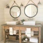 66 Cool Modern Farmhouse Bathroom Tile Ideas (36)