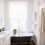 66 Cool Modern Farmhouse Bathroom Tile Ideas (37)