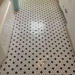 66 Cool Modern Farmhouse Bathroom Tile Ideas (41)