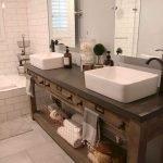66 Cool Modern Farmhouse Bathroom Tile Ideas (45)