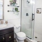 66 Cool Modern Farmhouse Bathroom Tile Ideas (52)