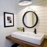 66 Cool Modern Farmhouse Bathroom Tile Ideas (57)
