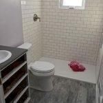 66 Cool Modern Farmhouse Bathroom Tile Ideas (58)