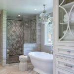 66 Cool Modern Farmhouse Bathroom Tile Ideas (59)