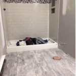 66 Cool Modern Farmhouse Bathroom Tile Ideas (60)