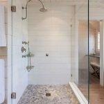 66 Cool Modern Farmhouse Bathroom Tile Ideas (66)