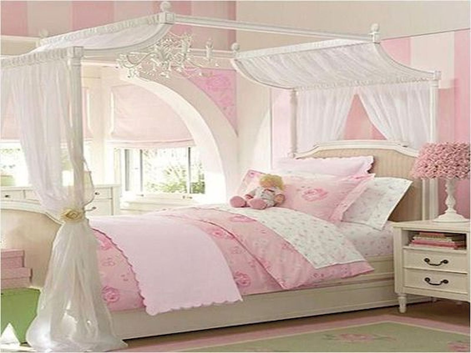 40 Cute Small Bedroom Design and Decor Ideas for Teenage ... on Small Bedroom Ideas For Teenage Girl  id=67709