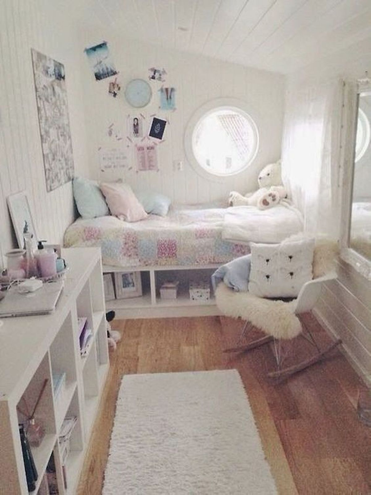 40 Cute Small Bedroom Design and Decor Ideas for Teenage Girl (10)