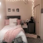 40 Cute Small Bedroom Design And Decor Ideas For Teenage Girl (14)