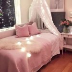40 Cute Small Bedroom Design And Decor Ideas For Teenage Girl (16)