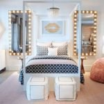40 Cute Small Bedroom Design And Decor Ideas For Teenage Girl (20)