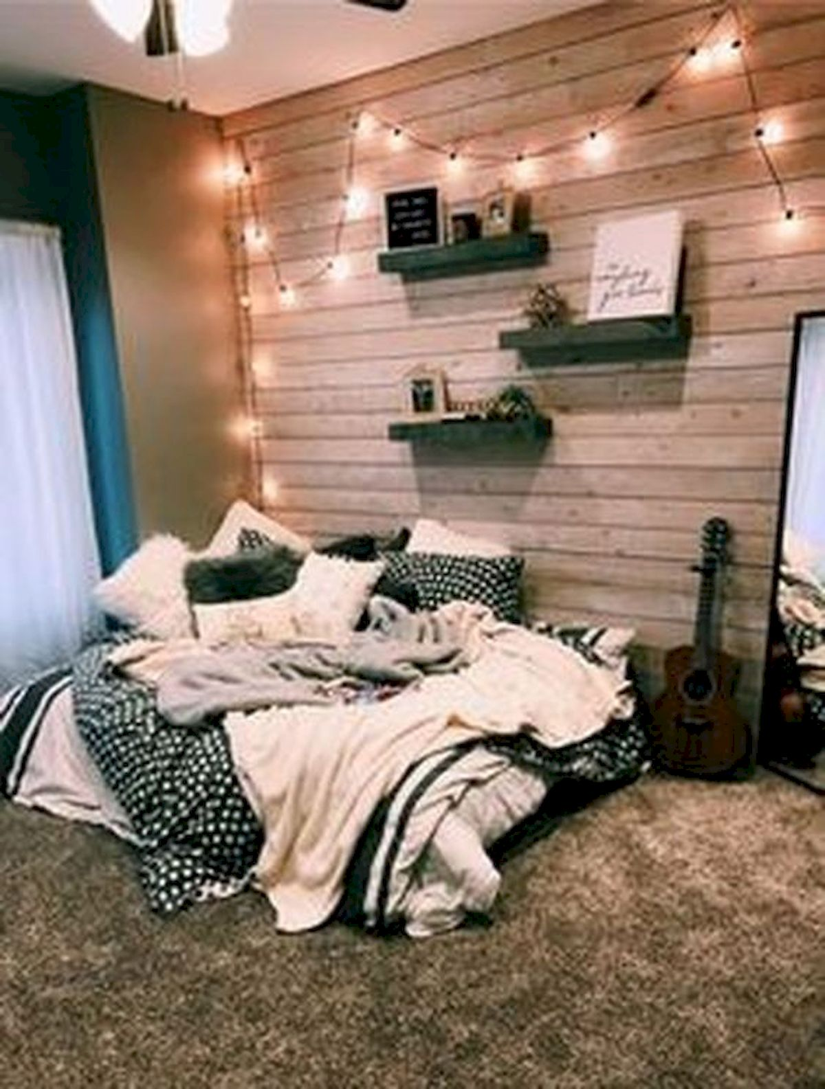 40 Cute Small Bedroom Design and Decor Ideas for Teenage Girl (21)