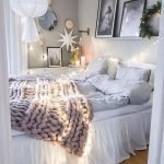 40 Cute Small Bedroom Design And Decor Ideas For Teenage Girl (25)