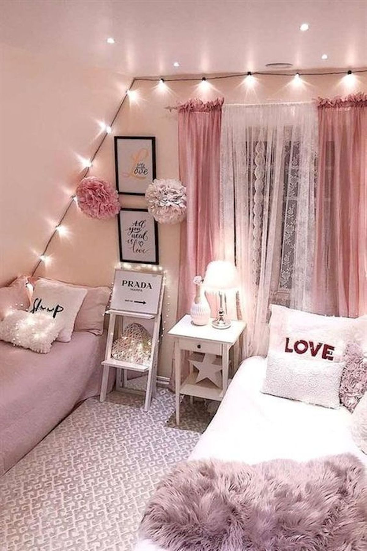 40 Cute Small Bedroom Design and Decor Ideas for Teenage Girl (34)