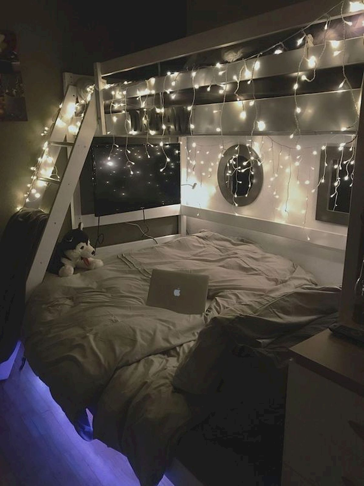 40 Cute Small Bedroom Design and Decor Ideas for Teenage Girl (4)