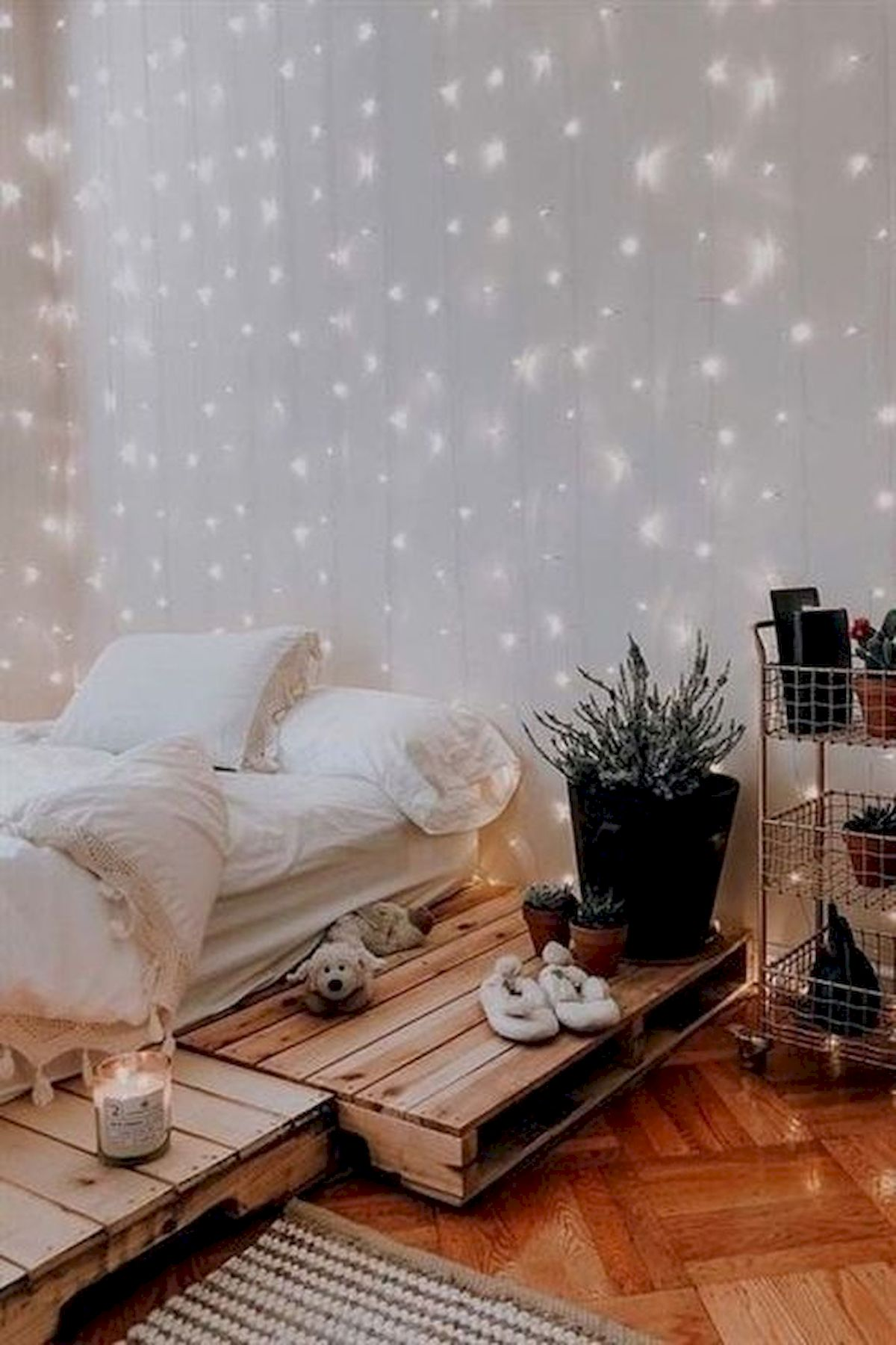 40 Cute Small Bedroom Design and Decor Ideas for Teenage Girl (9)
