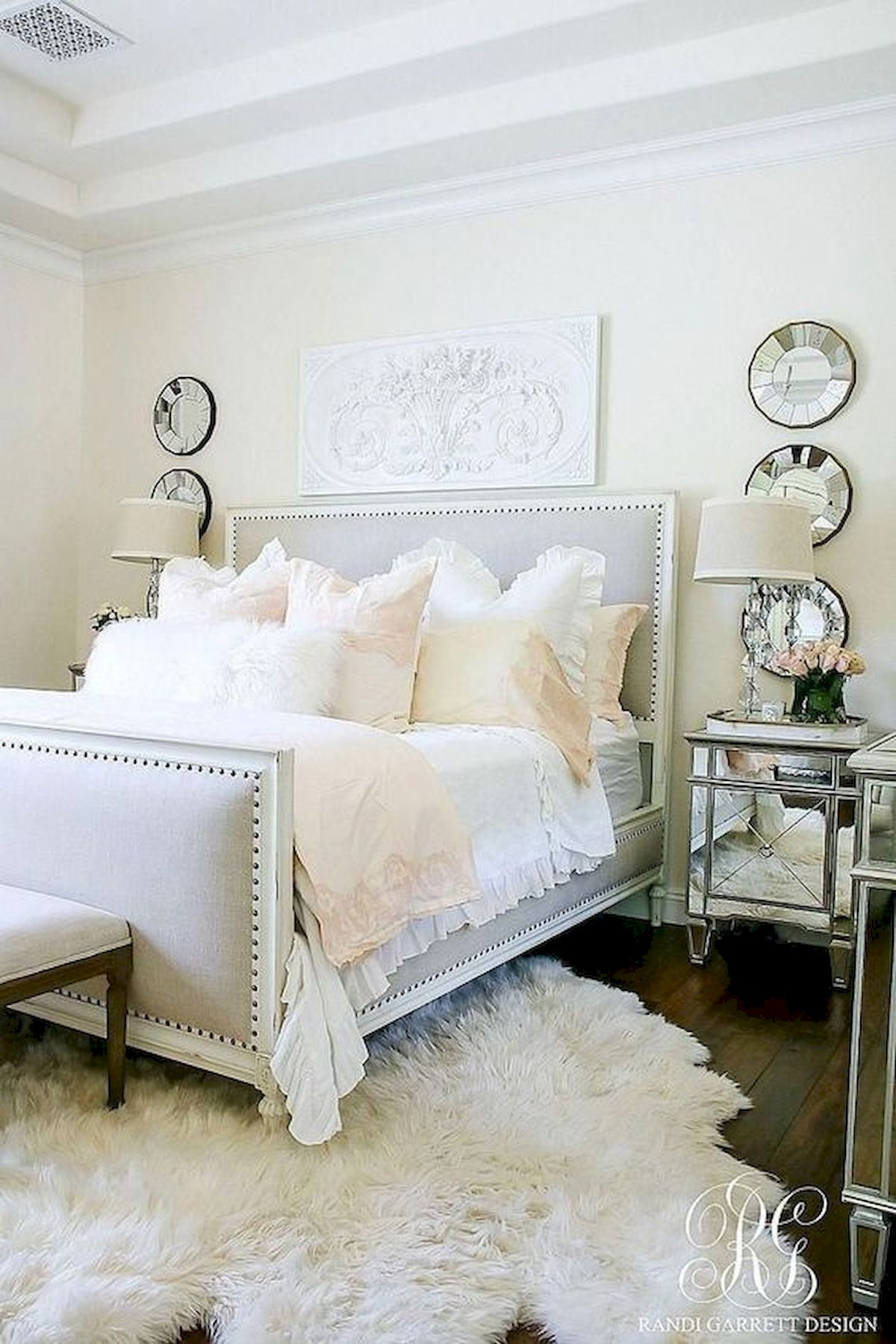 44 Awesome White Master Bedroom Design and Decor Ideas For Any Home Design (10)