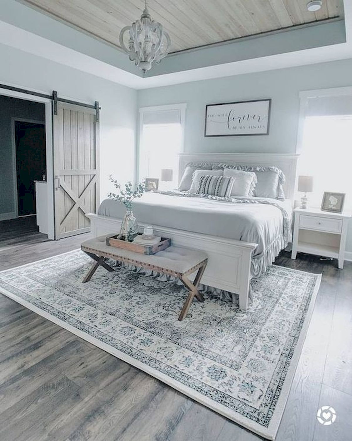 44 Awesome White Master Bedroom Design and Decor Ideas For Any Home Design (23)