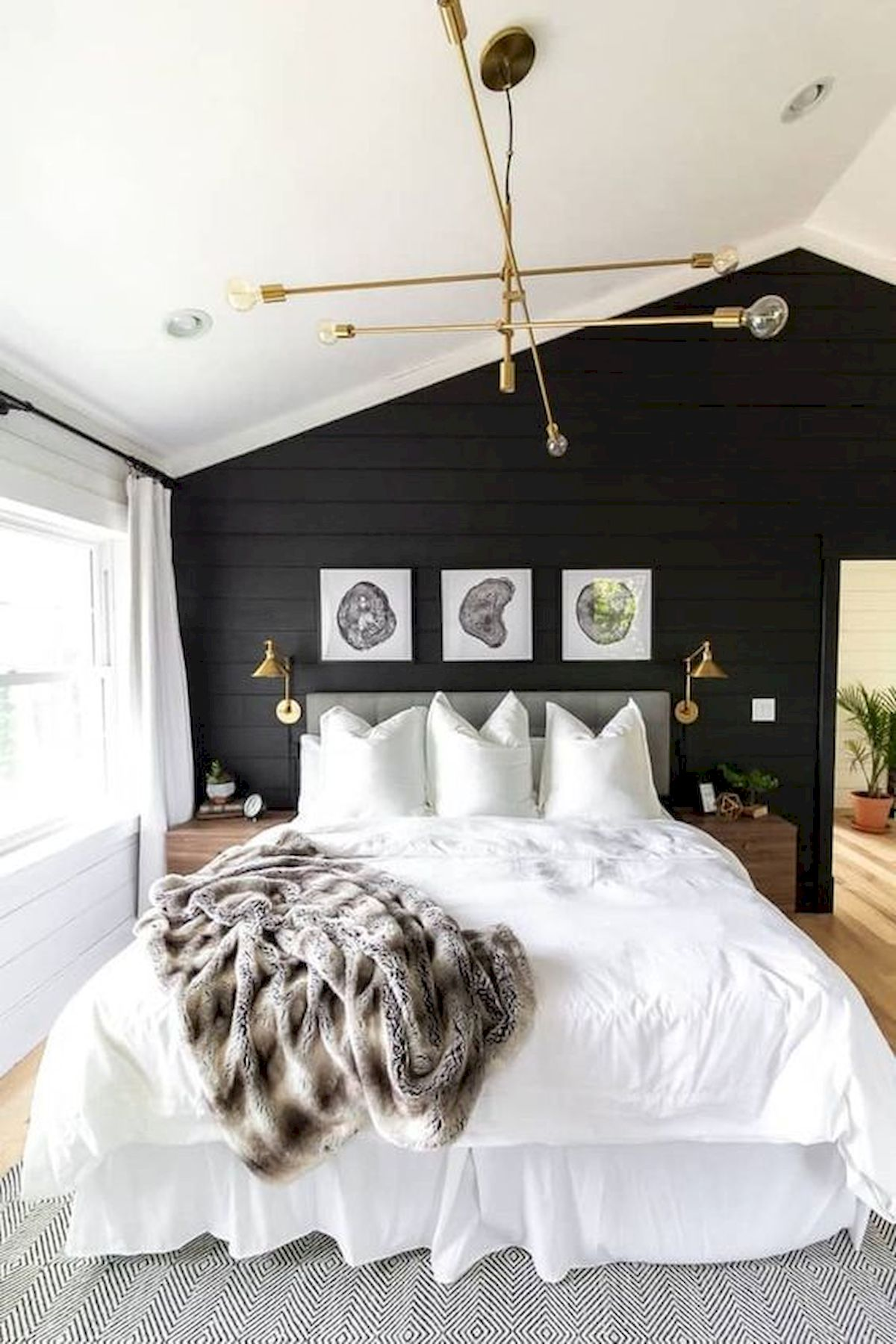 44 Awesome White Master Bedroom Design and Decor Ideas For Any Home Design (25)