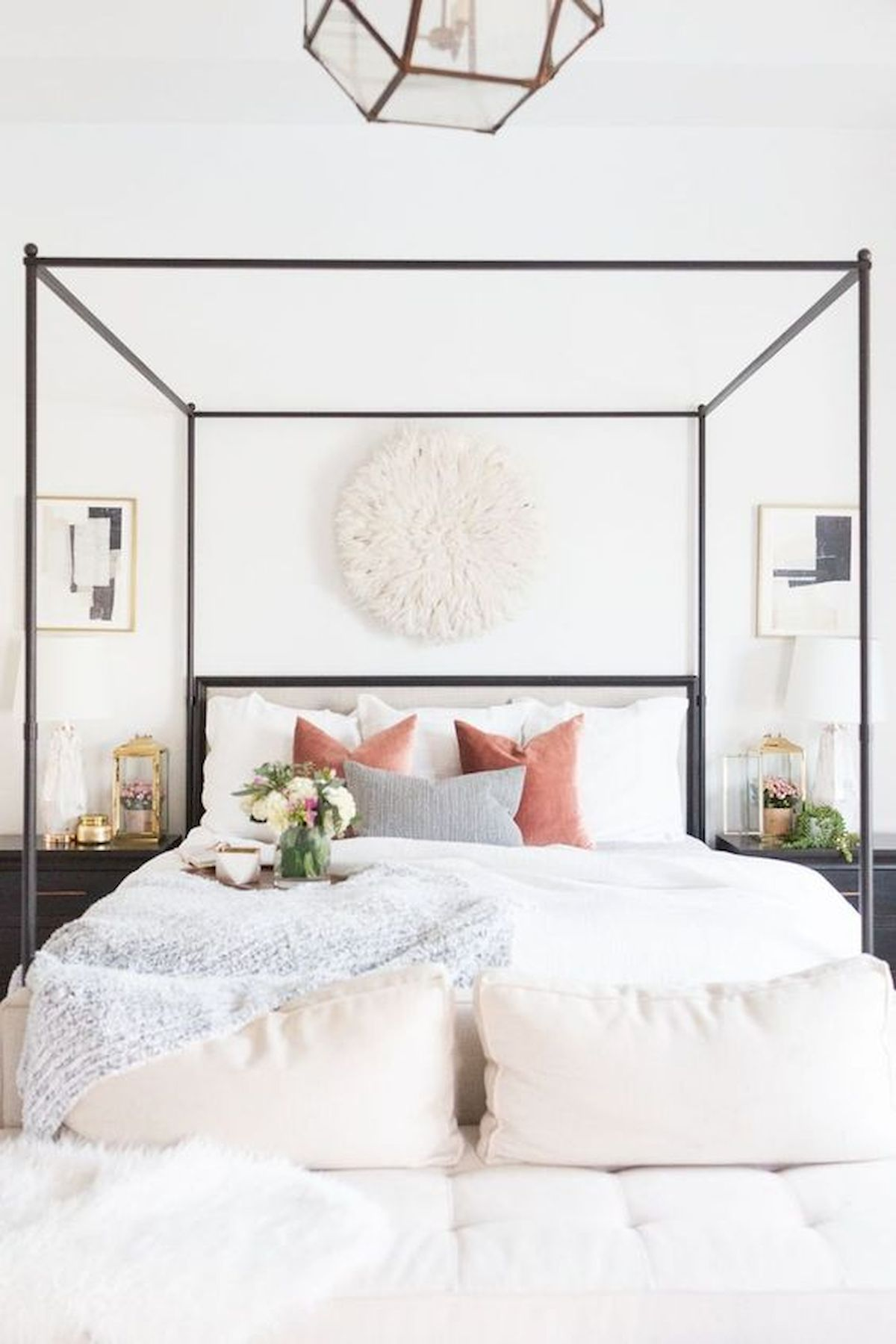 44 Awesome White Master Bedroom Design and Decor Ideas For Any Home Design (32)
