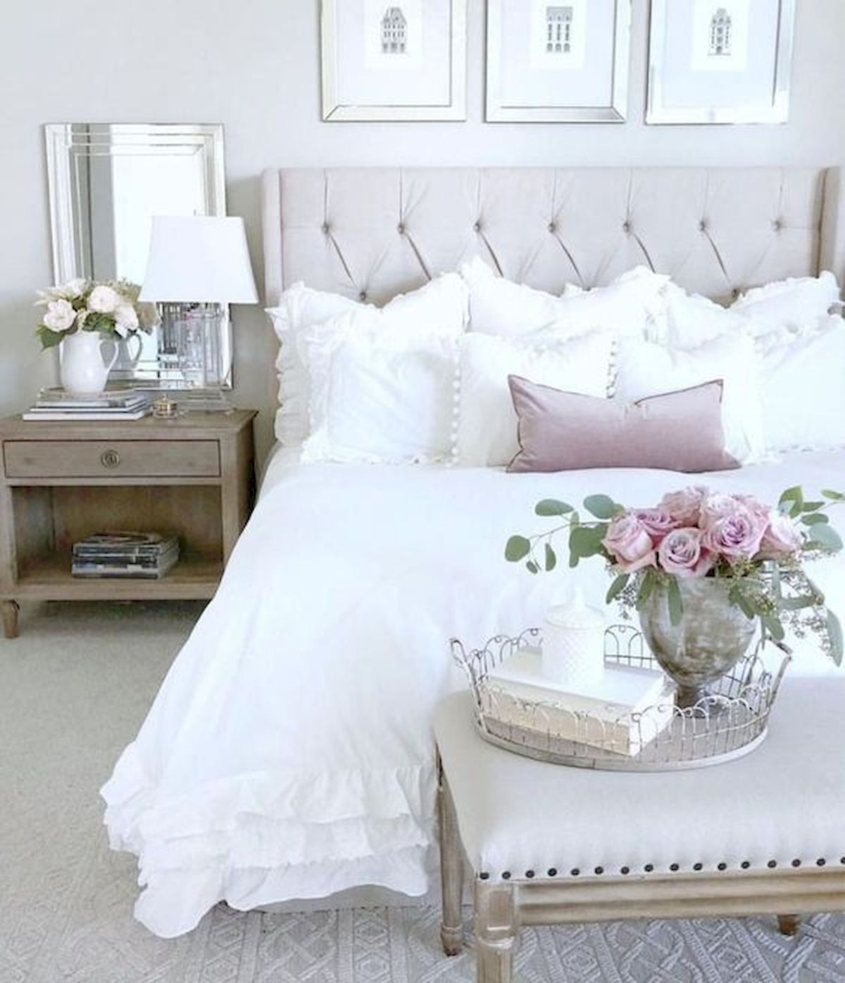 44 Awesome White Master Bedroom Design and Decor Ideas For Any Home Design (36)