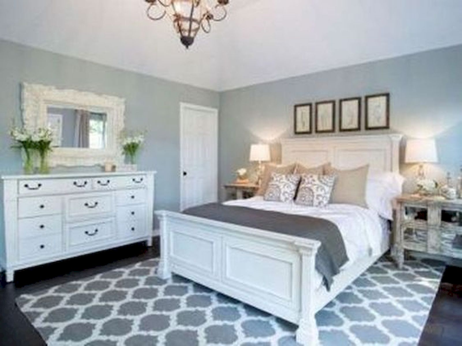 44 Awesome White Master Bedroom Design and Decor Ideas For Any Home Design (39)