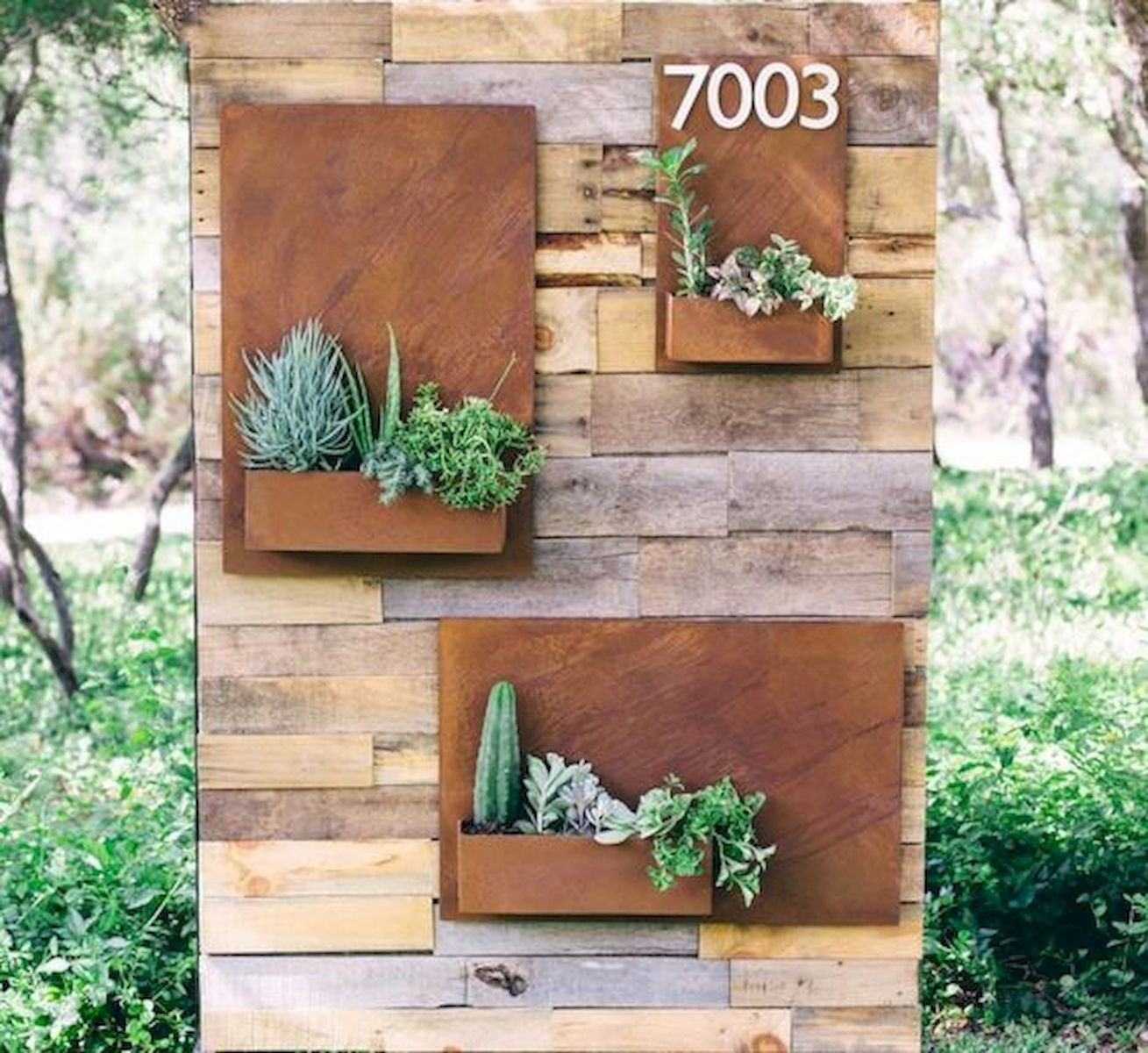 50 Awesome Modern Backyard Garden Design Ideas With Hanging Plants (21)