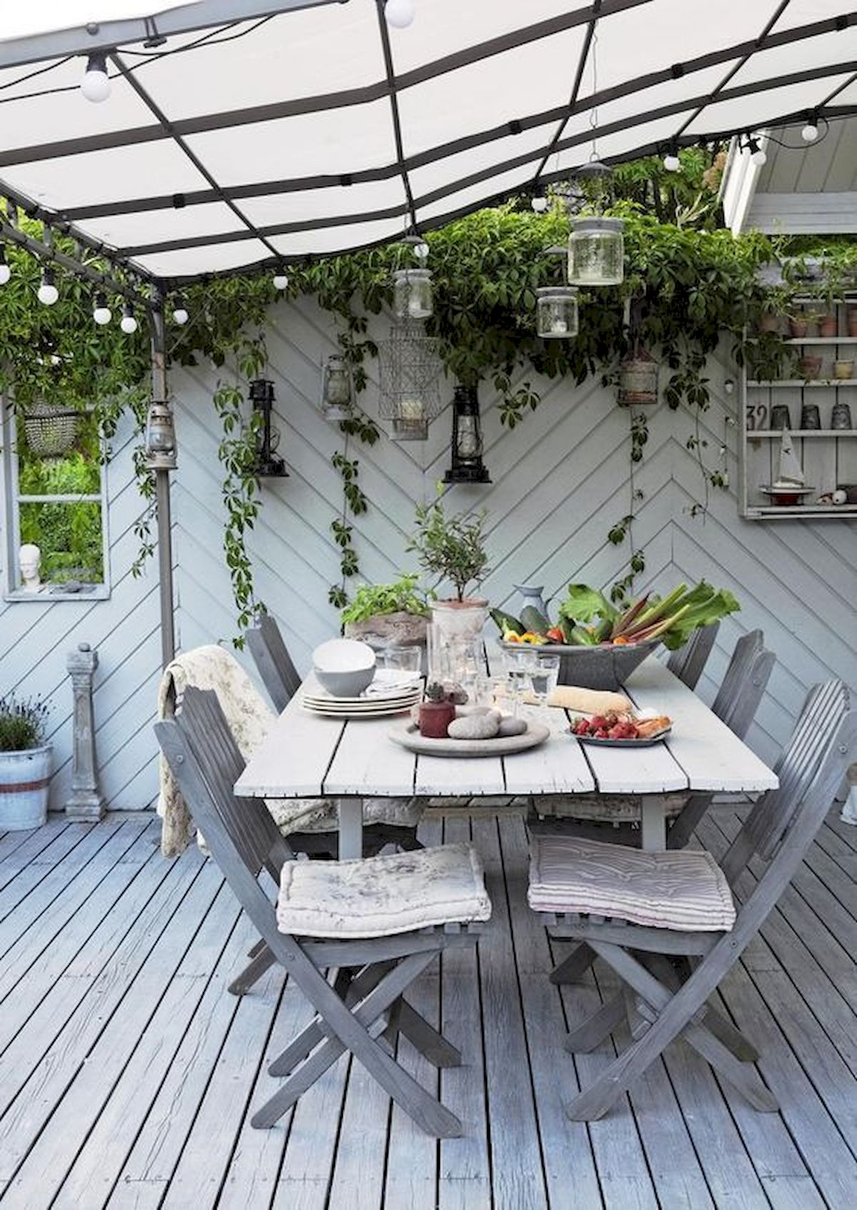 50 Awesome Modern Backyard Garden Design Ideas With Hanging Plants (29)