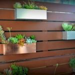 50 Awesome Modern Backyard Garden Design Ideas With Hanging Plants (33)