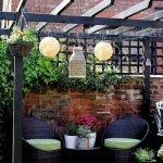 50 Awesome Modern Backyard Garden Design Ideas With Hanging Plants (9)