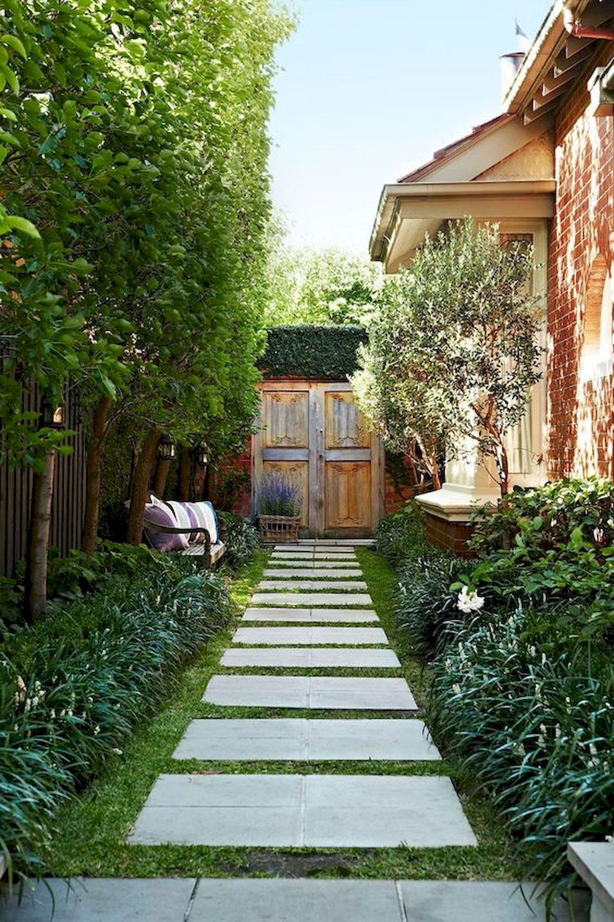 50 Beautiful Side Yard Garden Landscaping Ideas for Your House (43)